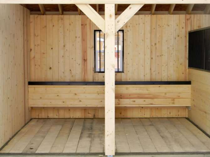 We can customize your barn by replacing one box stall with two to three tie stalls.  This comes with a manger.